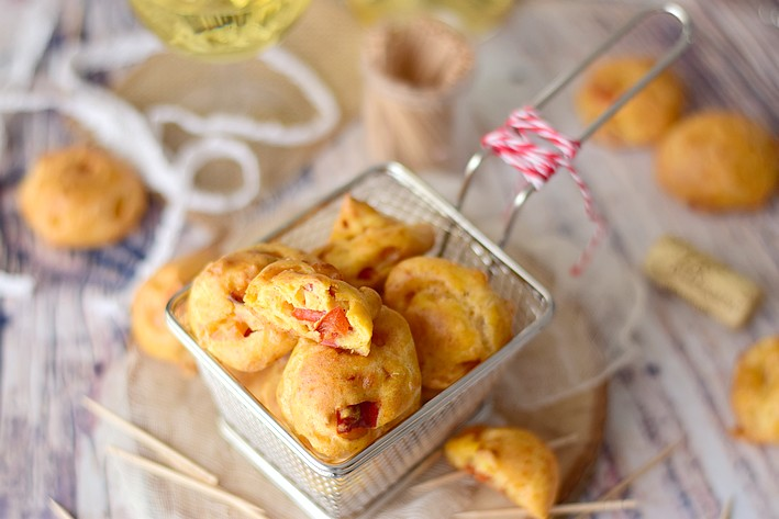 Gougères au poivron, Ossau-Iraty et piment d'Espelette ...