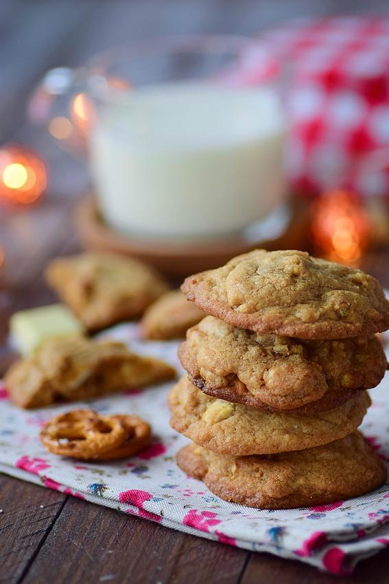 cookies au chocolat blanc et bretzels cuisimiam. Black Bedroom Furniture Sets. Home Design Ideas