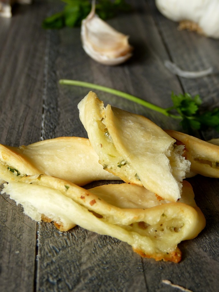 Pizza torsade garlic cheese2